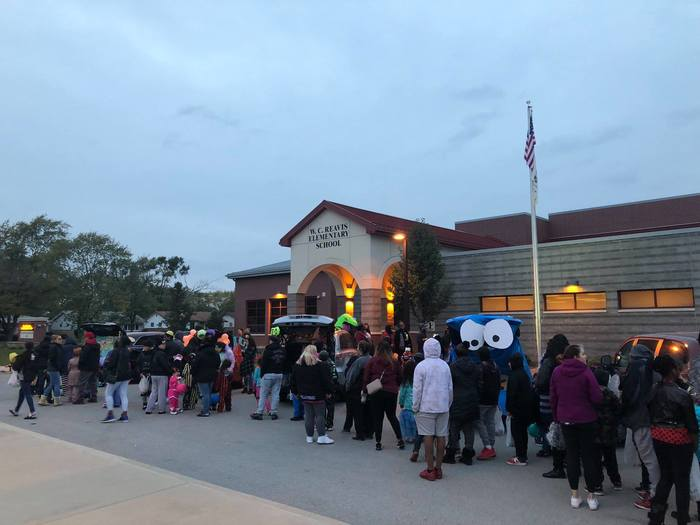 Reavis PTA Trunk or Treat event 1